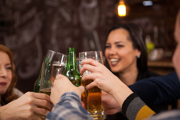 study shows cognitive behavioral therapy reduces symptoms of insomnia among young drinkers